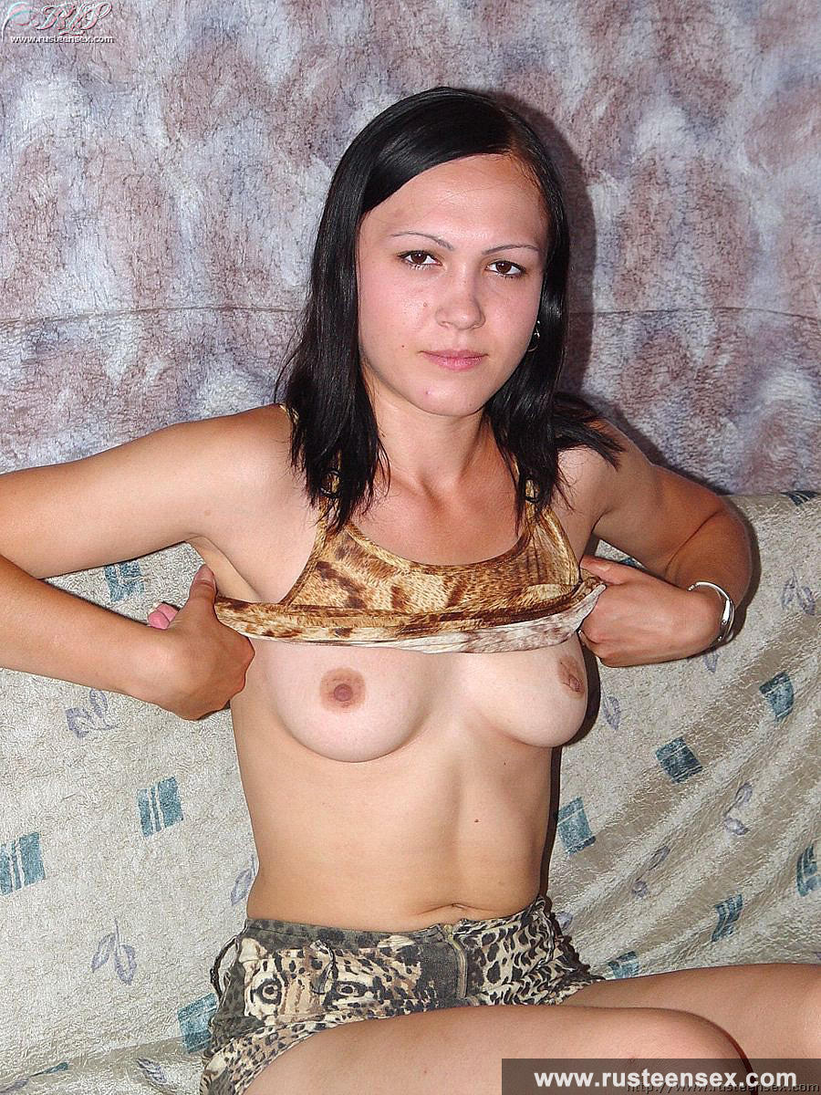 Смотреть бесплатно фото девушек с маленькими грудями 17 фотография