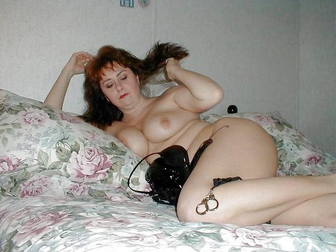 eroticheskoe-foto-pishnie-dami