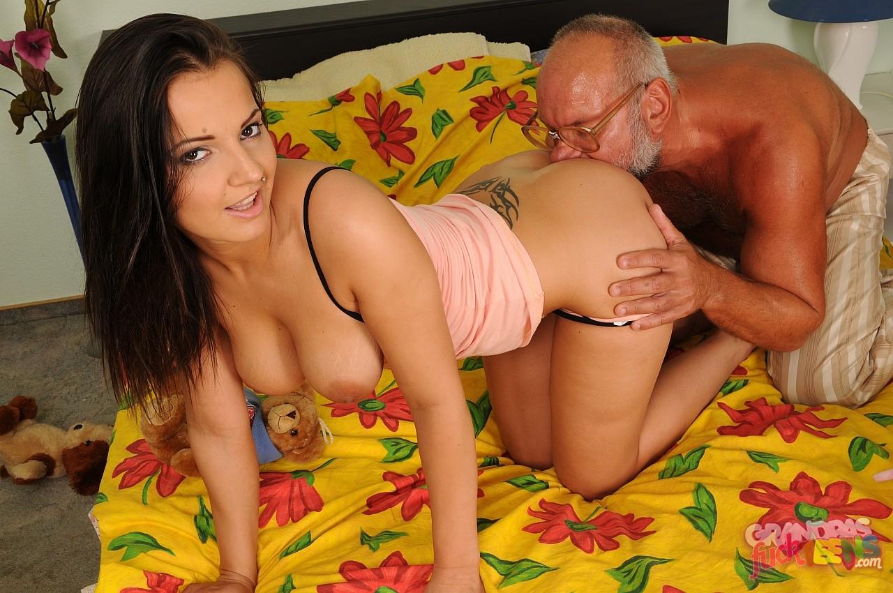 Крупным планом / Популярное #1 / Main Sex Tube
