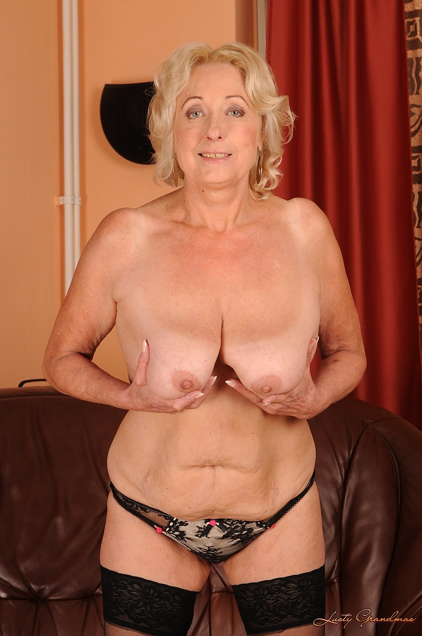 фо то груди старыхазных женщин