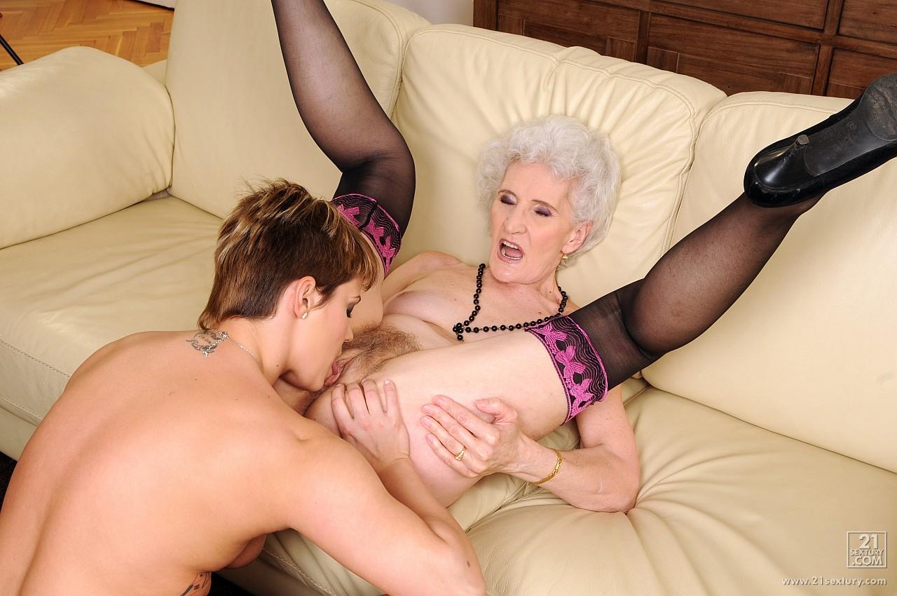 Порнп бабушка