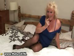 blonde-mature-housewife-in-sexy-black-part3