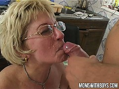if-mama-make-a-sandwich-will-you-fuck-and-feed-her-your-cum