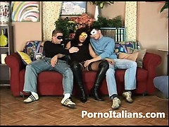 Amatortiale Italiano – Moglie Milanese Scopa Con Due Amanti