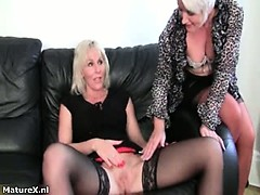 horny-mature-wife-giving-a-masturbation-part6