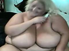 blonde-bbw-does-a-cam-show