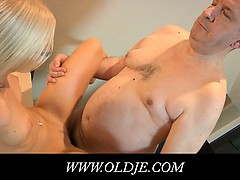 young-blonde-doctoress-fucks-an-old-pacient