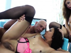 shemale-trannies-fucking-guy-in-threesome