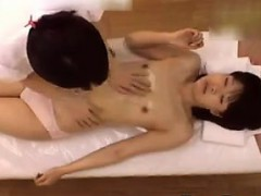 japanese-cutie-gets-off-during-a-massage