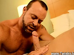 gay-guys-thankfully-muscle-daddy-casey-has-some-ideas-of-ho