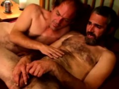 hairy-mature-gay-guy-waiting-for-cumshot