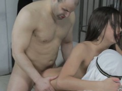 arab-mistress-makes-her-arab-slaves-into-worship-and-cuckold