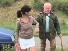 cute-babe-seduces-grandpa-on-the-road
