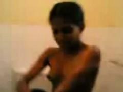 indian-girlfriend-has-a-shower