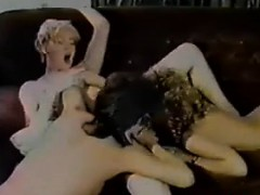 80s-lesbian-threesome