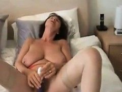 mature-woman-playing-with-her-pussy