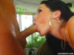 Buttplug And Anal For Gloria Gucci