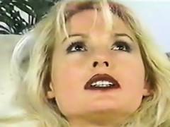 blonde-milf-masturbating