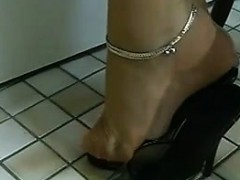 beautiful-toes-being-teased