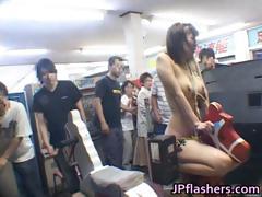 an-mashiro-asian-model-is-nude-in-public-part2