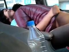dude-fucks-his-indian-girlfriend-in-the-car