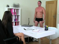 tall-muscled-amateur-dude-fucks-female-agent-on-casting