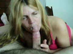 wife-gives-seductive-blowjob