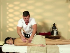 latina-babe-gets-massage