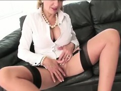 lady-sonia-enjoys-rubbing-herself
