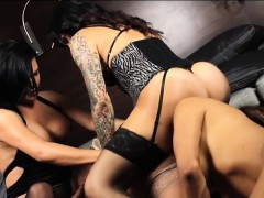 alura-jenson-and-3-of-her-girl-friends-all-girl-orgy