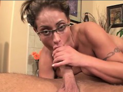 eva-notty-swallows-her-first-cum-load