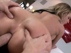 huge-ass-blondie-ho-nikki-sexx-anal-devastated-with-big-cock