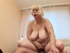mom-takes-a-hard-cum-shooter-up-her-ass