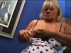 big-blonde-mature-woman-rubs-cock-with-pussy