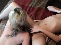 teen-blonde-in-first-time-lesbo-experience