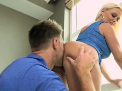 getting-pussy-licked-and-plowed-by-young-guy