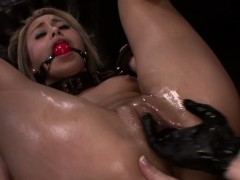 strapon-sub-must-lick-femdom-masters-pussy
