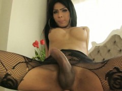 big-dick-shemale-jame-blowjob-and-horny-ass-fucking