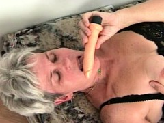 mature-lady-orgasming-while-rubbing-pussy