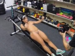 ebony-gym-instructor-fucked-by-pawn-man-to-earn-money