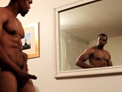black-muscle-gaysex-hunk-tugs-his-cock