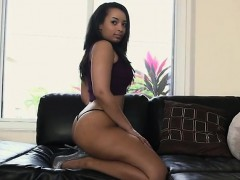 booty-ava-sanchez-is-sexy-twerking-in-front-of-camera