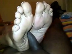 indian woman gives a fine foot job pov – هيجانة و تعبانة و منتظرة الزب الساخن يهدى شوقها
