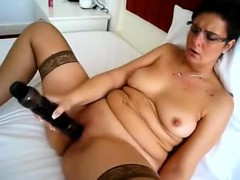 milf-sure-can-handle-her-vibrating-friend