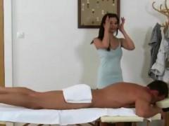 inked-asian-tugjob-loving-masseuse-gives-handjob