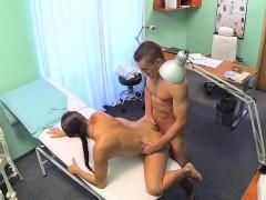 fakehospital-ripped-stud-gets-the-naughty-nurses