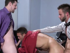 office-hunk-spitroasted-on-desk-by-muscular-colleagues