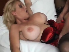 blonde-american-pornstar-milf