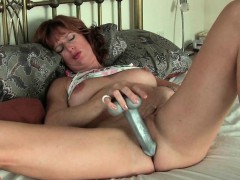 british-mom-silky-thighs-rubs-her-mature-pussy