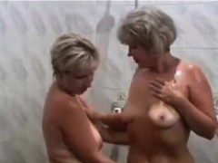 russian-moms-irina-valia-in-the-sauna